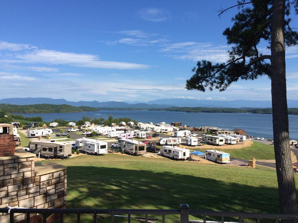 New RV Resort Breathtaking Views Fireplaces BathHouse STAY WITH US